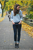 silver vintage Gap sweatshirt - heather gray angelo carutti boots