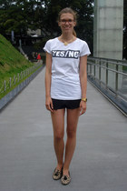 black PERSUNMALL shorts - white house shirt - camel leopard elite flats