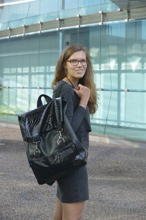 black backpack MÄRSS bag - charcoal gray basic Vero Moda dress