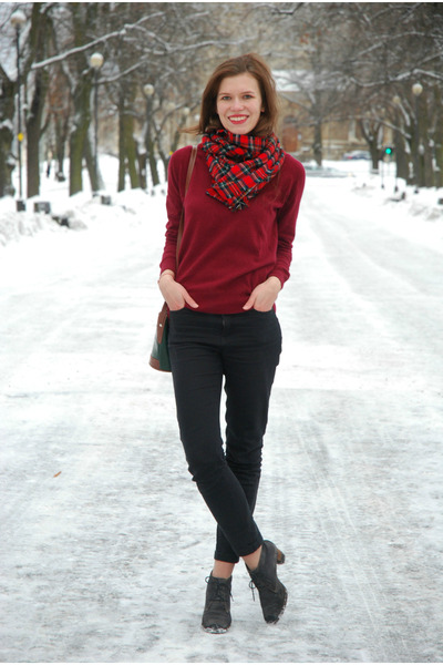 brick red lindex sweater - charcoal gray angelo carutti boots