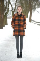 burnt orange plaid vintage coat - black Marco Tozzi boots