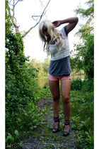 white DIY top - gray f21 top - gray f21 shoes - American Eagle shorts