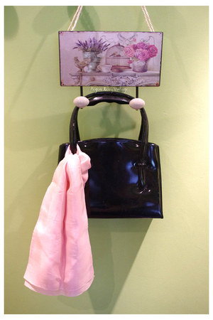 patent leather vintage bag