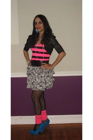blue fabulous Easy pickens heels - hot pink neon stripe joyce leslie top