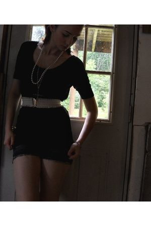 black Forever 21 dress - white H&M belt - white necklace - gold Forever 21 neckl