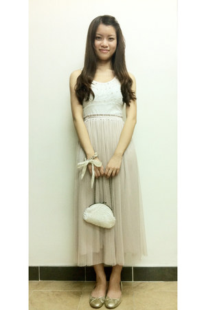 ivory bag - ivory skirt - white vest - gold flats