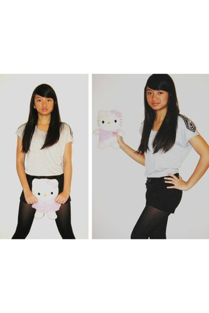 Forever21 shirt - no brand shorts - Sanrio accessories