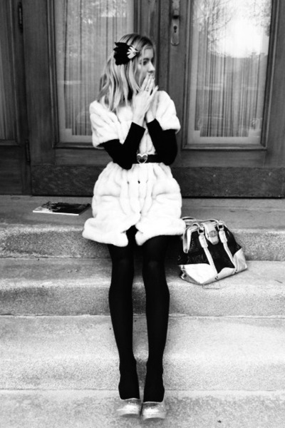 black hair clips H&M hat - black Zara sweater - black 100 den Calzedonia tights