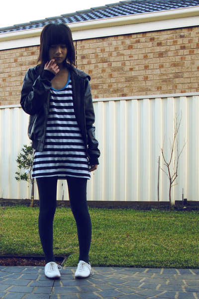 Dont Ask Amanda dress - Josua Andreas jacket - tights - Wittner shoes