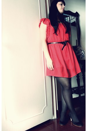 red Stradivarius dress - black Mango heels