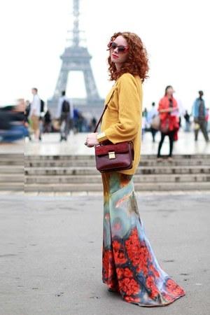 sky blue Eden Diodati dress - crimson Badgley Mischka bag
