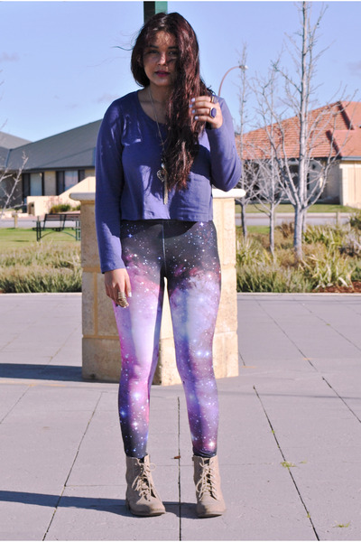 galaxy romwe leggings - brown Dotti boots - purple crop top agent ninetynine top