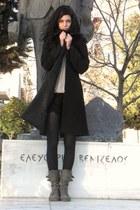 Black coat coat - Stradivarius shorts