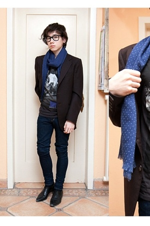 Ray Ban glasses - H&amp;M scarf - unknown blazer - H&amp;M t-shirt - Criminal Damage jea