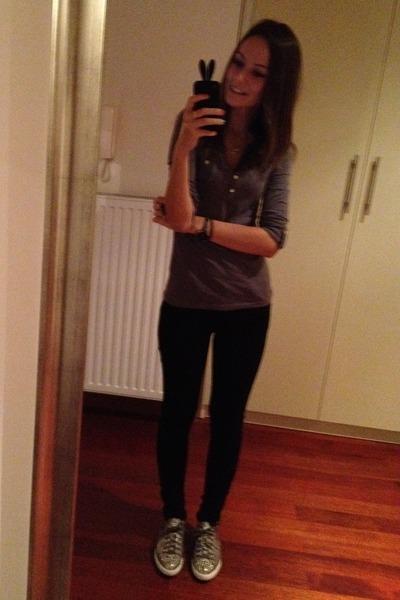 magenta Miu Miu sneakers - navy Levis jeans - charcoal gray Stradivarius blouse