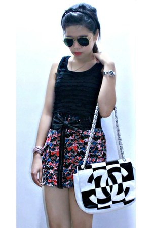 floral print skirt skirt - Chanel bag - Ruffle sleeveless top top
