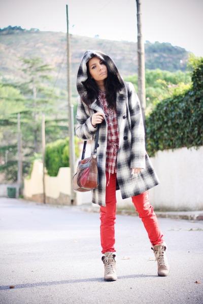 Vero Moda coat - Cortefiel boots - vintage bag - vermo moda pants