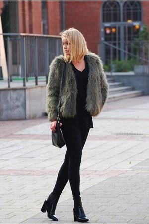 fur H&M coat - deezee boots