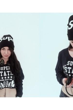 Supreme hat - Secondhand blouse