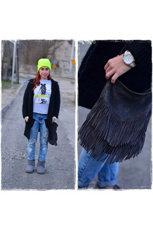 charcoal gray Emu boots - light blue Stradivarius jeans