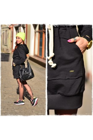 black naia dress - black Parfois bag - black nike sneakers - black Parfois watch