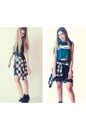 green green romwe t-shirt - black lace shein skirt