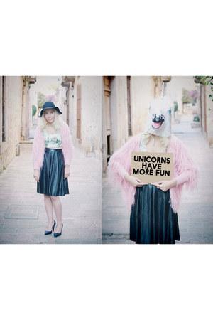 bubble gum faux fur Sheinside coat - black faux leather Sheinside skirt