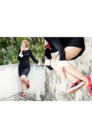 black romwe dress - red keds kate spade sneakers