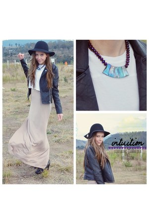 blue statement oh ma lola necklace - beige maxi lulus skirt