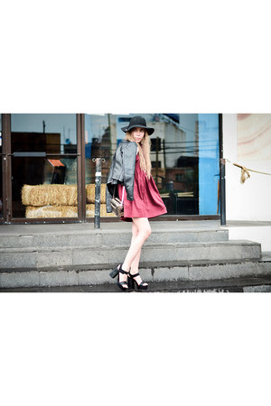 maroon romwe dress