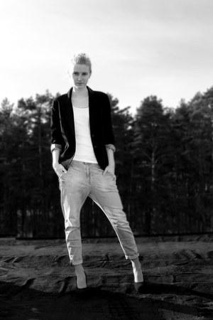 Zara jeans - thrifted blazer - H&M top - walking wedges
