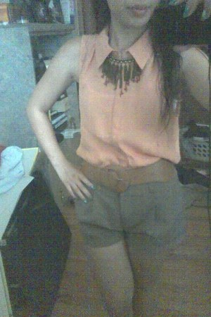 Forever 21 shirt - Forever 21 shorts - brown elastic Forever 21 belt