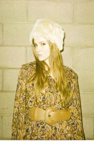 vintage dress - hat