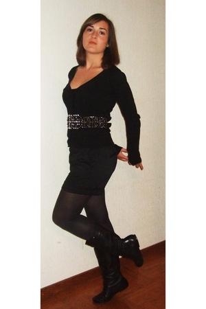Zara shorts - Zara vest - JBC top - SPM boots - Zara belt