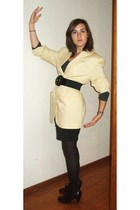 yellow vintage jacket - black H&M skirt - black new look shoes - gray H&M t-shir