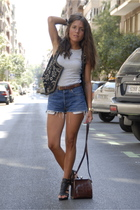 Mango vest - Levis Vintage Collection shorts - Zara shoes - Massimo Dutti belt -