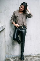 green APARA Paris t-shirt - black Zara boots - black vintage belt
