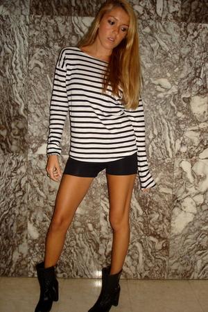 black H&M top - black Thomas Burberry boots - black H&M shorts