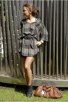 Zara top - Urban Outfitters skirt - Zara boots - Marc by Marc Jacobs purse - Fak
