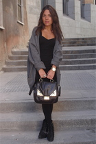 Hackett sweater - H&M dress - Zara boots - Bimba & Lola purse