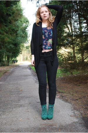 black H&M jeans - black waterfall Mango cardigan - navy printed Atmosphere top