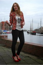 floral blazer Zara blazer - dog printed top H&M top - red heels La Strade heels
