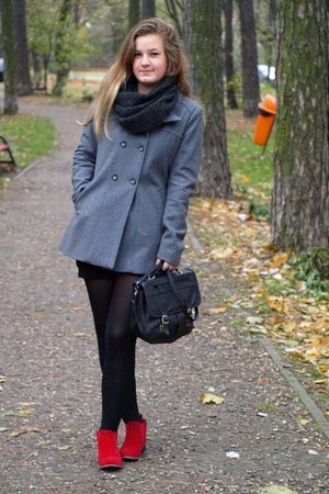red boots - gray coat - dark gray bag