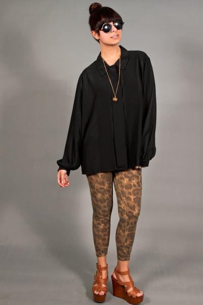 black pleats blouse
