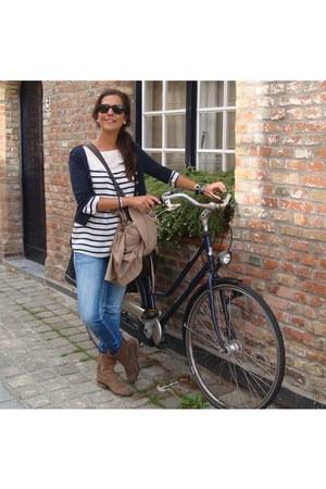 Zara boots - skinny PepeJeans jeans - golden buttons Zara cardigan - navy Zara b