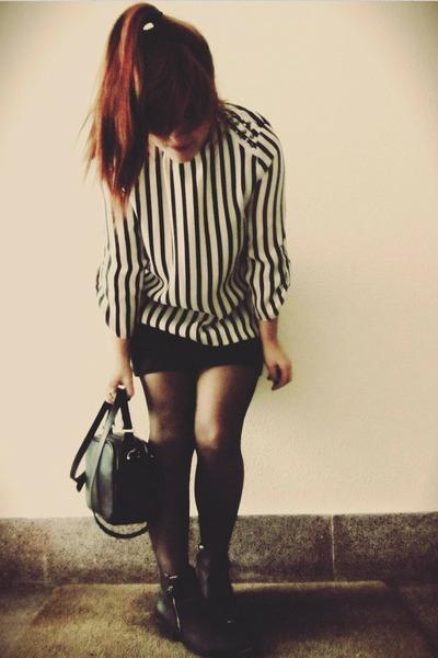 black poliuretano Stradivarius bag - black algodon Mango skirt