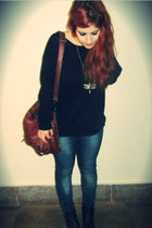 blue vaquero Zara jeans - brown cuero Stradivarius bag