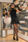 Black-shiny-debora-ricci-shoes-black-black-elegant-chanel-hat