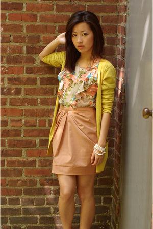 sz 4 H&M Trend skirt - 0p Topshop Petites top - xs Martin & Osa cardigan