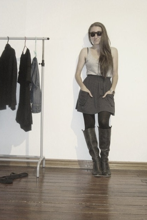 H&M t-shirt - American Apparel skirt - unknown brand tights - unknown brand boot